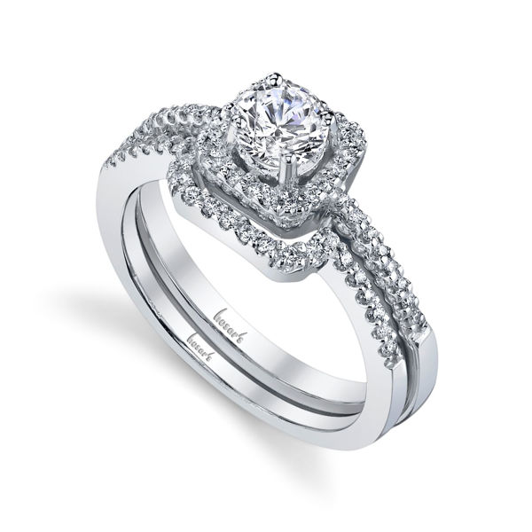 14Kt White Gold Vintage Halo Diamond Engagement Ring