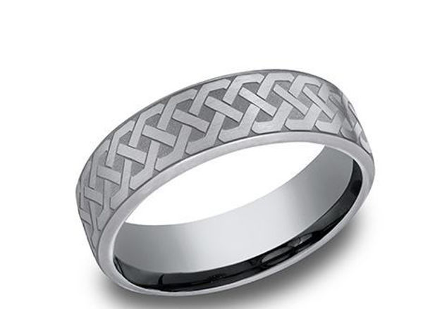 6.5mm wide Tantalum Band with a Celtic Knot Pattern
