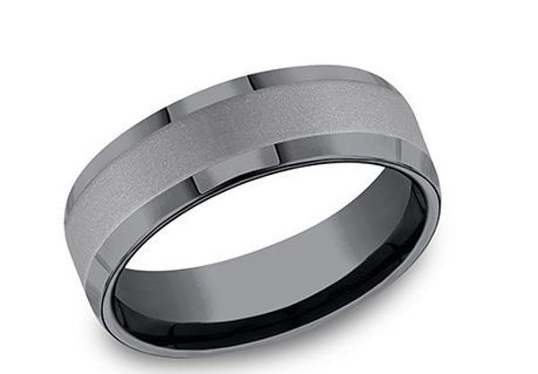 7mm wide Tantalum Band with a Satin Finish Center
