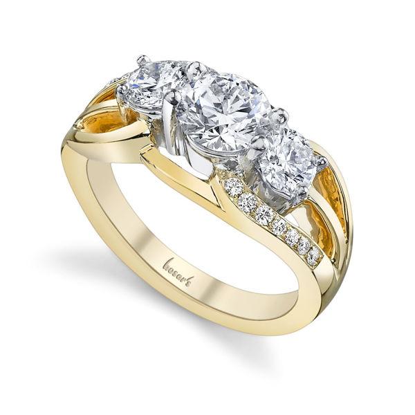 14kt Yellow Gold Exquisite Three Stone Diamond Ring